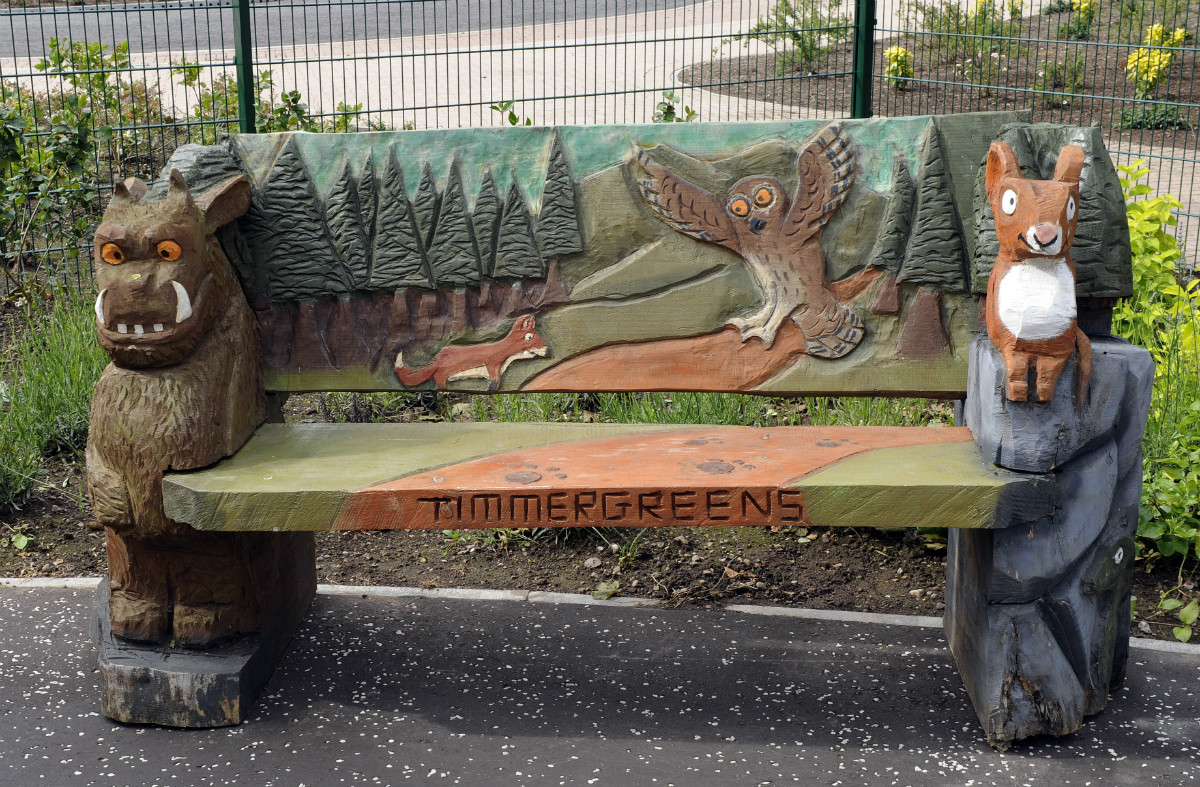 Timmergreens Primary Gruffalo bench