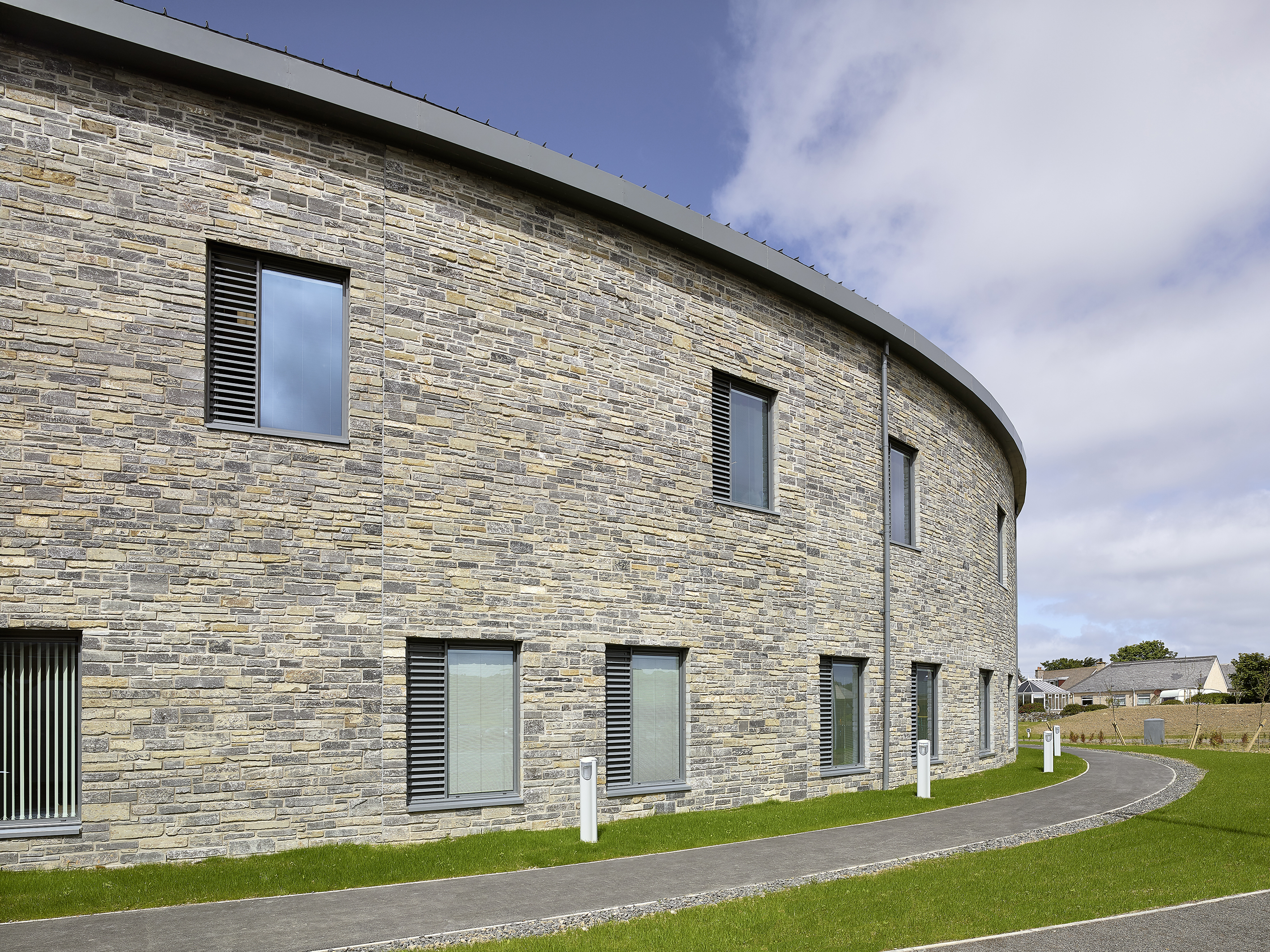 Consttruction of The Balfour, NHS Orkney Hospital and healthcare facility using local stone