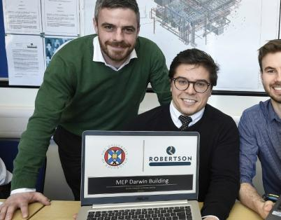 Engineering students get to grips with l...