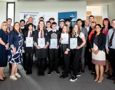 Robertson helps Clyde Gateway pupils eng...