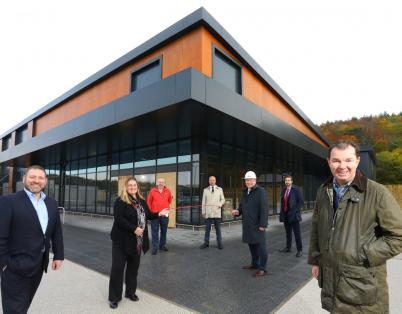 Minister visits Tyneview Retail Park as ...