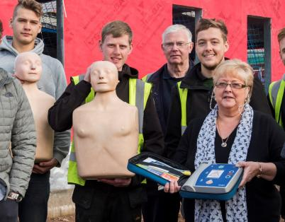 Construction workers learn to be lifesav...