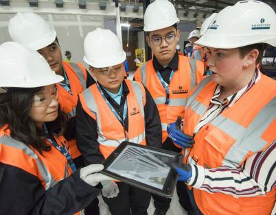 Hong Kong apprentices learn about digita...