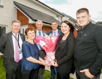 Methil residents receive keys